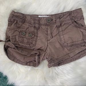 Brown cargo shorts low waisted Aeropostale sz 3/4